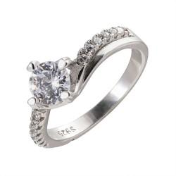 Серебряный комплект кольцо и серьги: размер 18, вес 7.50 гр.